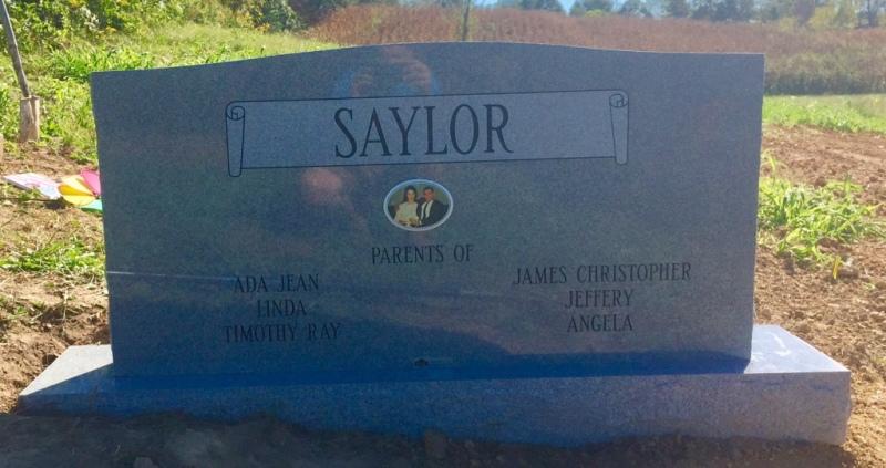 The Monument of Elbert Ray & Roseann Davidson Saylor